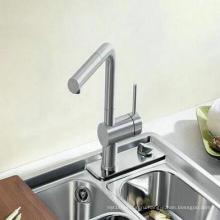 Вытяните кухонный кран и смеситель с латунью