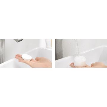 Reinigen Sie das bequeme komprimierte Einweg-Badetuch