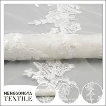 Tissu de robe brodé brodé fait sur commande de mariage fait sur commande