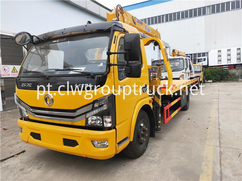 Lorry Mounted Crane 2