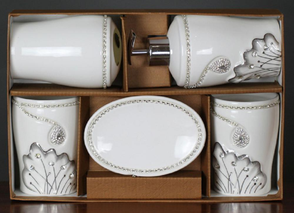 5 PC Of Ceramic Bath Sets