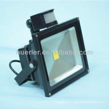 Buen precio IP65 PIR SMT COB 12v solar led luz de inundación 50w sensor de movimiento led street light 50w
