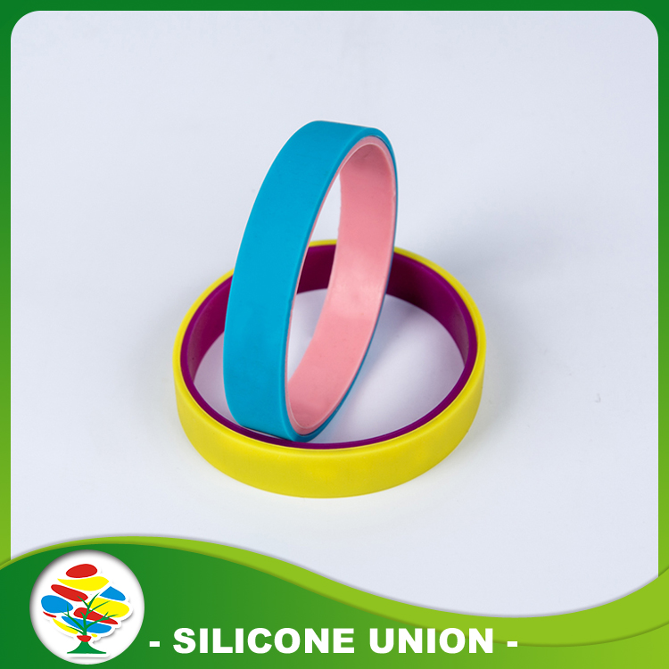 Double side pad silicone bracelet