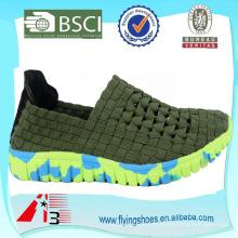 Italina Mannes gewebte elastische Beleg-auf Komfort-flache Sport-Schuhe