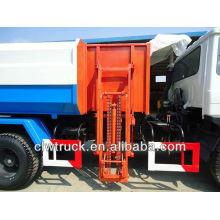 Dongfeng 4 * 2 camión de basura con sistema de carga de basura