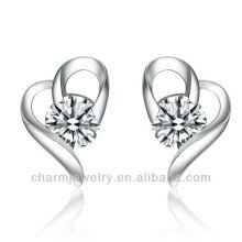 Boucles d'oreille en forme de coeur Clear Solitaire SE-008