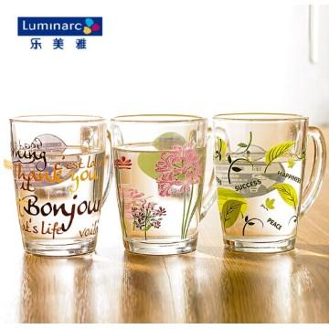 Taza de café de cristal de Luminarc con la flor impresa (