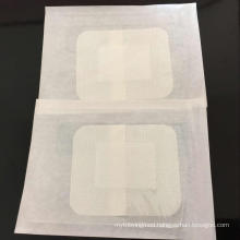 Self-adhesive wound dressing for single use