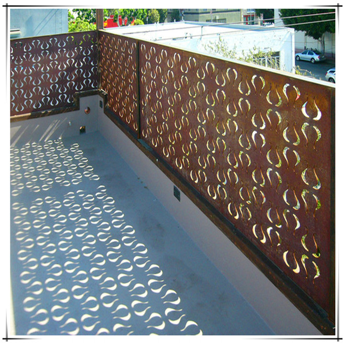 Contemporary Home Fencing And Gates