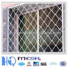 Belle clôture en treillis métallique