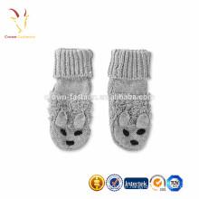Bottes mignonnes en laine tricotée pour bébé