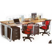 Einfache 4 Person Computer Workstation mit Trennwänden (KW909)