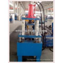 Máquina de formación de rollos de púas C