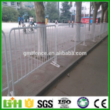 China Factory Galvanized stainless steel construction barricades/used crowd control barriers