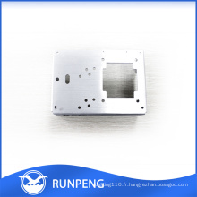 Pièces en métal adaptées aux besoins du client de poinçonnage usinées par commande numérique par ordinateur de pièces en métal