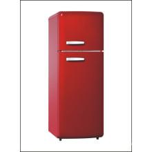 Réfrigérateur rétro de perspective rouge de ménage d'hôtel