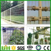 Fábrica de productos de doble círculo de PVC blanco revestido de malla de alambre de valla
