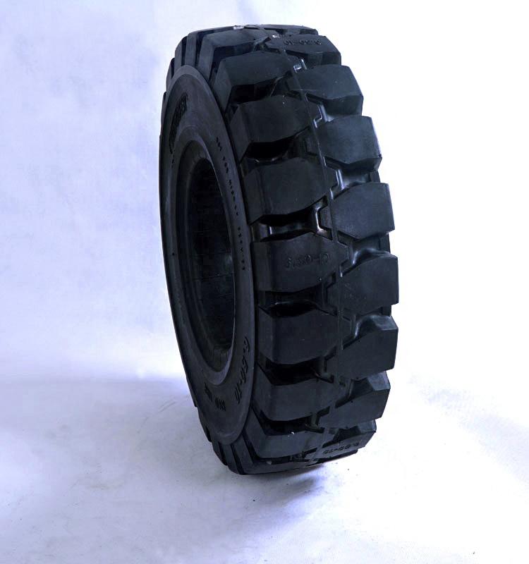Premium Solid Rubber Tyre 7 50 15