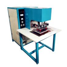 Hochfrequenzschweißmaschine für Membranstruktur