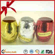 Colorido huevo rizado de la cinta para Navidad