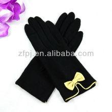 Gant tricot élégant en laine noire