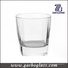 Vidro do uísque do estoque, bebendo o vidro (GB01107306)