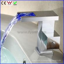 Китай абсолютно новый водопад Латунь СИД faucet крана тазика (FD15057F)