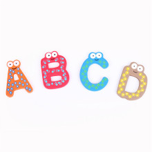 Ímãs personalizados de madeira do alfabeto do alfabeto colorido bonito do tipo do FQ