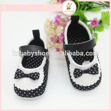 Sapatos de couro para bebês de sola mole de estilo novo