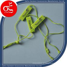 Etiqueta plástica do selo da corda da forma 2015 para o vestuário