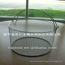 Stainless steel wire mesh basket with handle