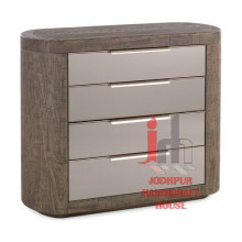 Holzrahmenschrank mit Schubladen