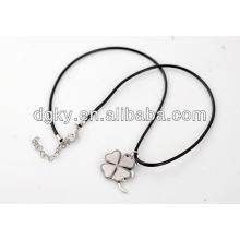 Vier Blatt-Kleeanhänger-Edelstahl-kundenspezifische Paare Halsketten