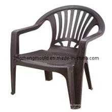 Stuhl aus Kunststoff-Formenbau