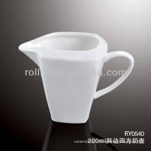 Crème sûre et durable en cuir blanc et durable en porcelaine