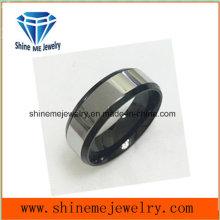 Superfície de polimento de moda e jóias de anel inferior preto