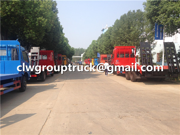 Low Flatbed Truck With Crawling Ladder Supplier