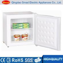 O mais pequeno congelador compacto de porta única