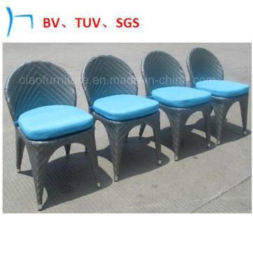 Chaise longue en rotin à la vente chaude avec couverture en pieds d'aluminium