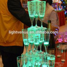 Taza de agua activo líquido iluminado del LED