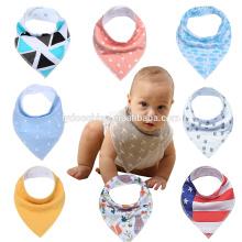 Bibs do corpo do bebê das técnicas de impressão O serviço do OEM personalizou babadores novos do babar do bandana do bebê do projeto do babador
