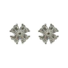 Clous d'oreilles en zircon cubique trèfle à quatre feuilles