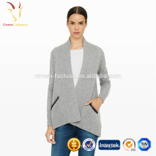 Suéter de rebeca de cachemir con frente abierto y bolsillos
