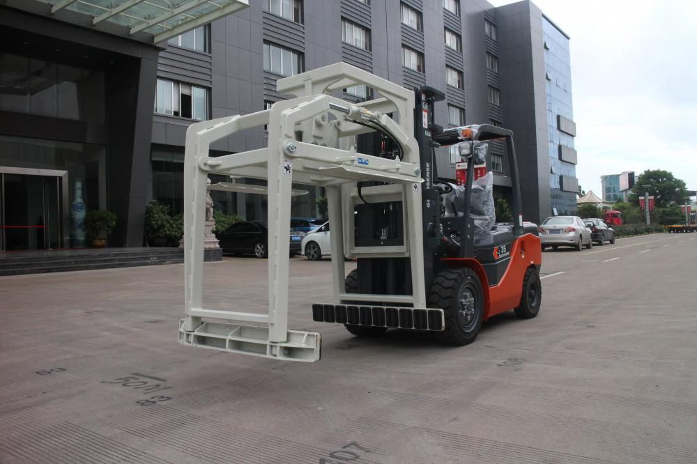 Forklift With Block Clamp