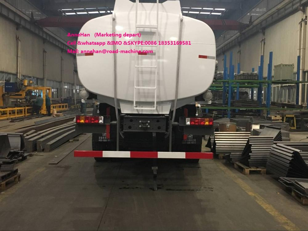 White Color Oil Tank Truck 3