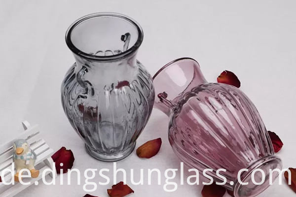 Vases with different colors