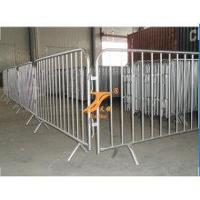 Esportes exposição dedicada às barreiras de controle de multidão
