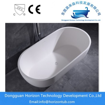 Stone freestanding bath in Horizontub