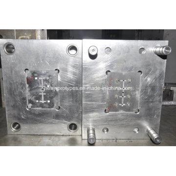Moulage par injection en plastique adapté aux besoins du client de qualité supérieure de la Chine usine