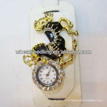 Vogue негабаритных кожи Rhinestone браслет часы с лошади дизайн WW69